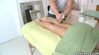Kinky Rebeca Linares gets her wet pussy rubbed on the bench