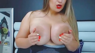 Babe With Big Tits Ass And Nipples Masturbates